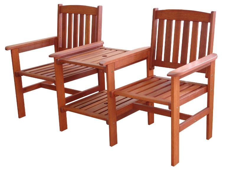 Židle a stolek ze dřeva meranti
